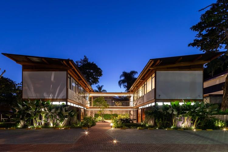 Juquehy Praia Hotel - Solarium, Alojamento e Apoio / Piratininga Arquitetos Associados, © Pedro Napolitano Prata