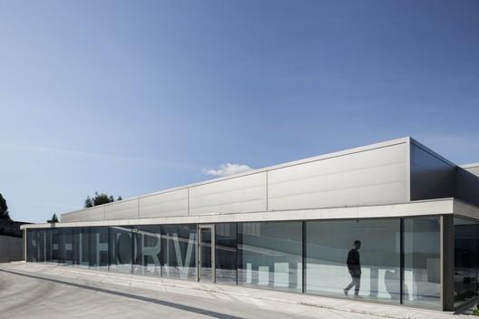 Steelform Factory Building / Atelier d'Arquitectura J.A. Lopes da Costa