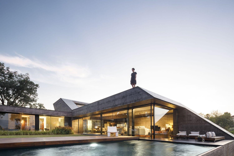 Cork Oak House / Hugo Pereira Arquitetos
