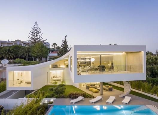 Dorfler House / Vitor Vilhena Arquitectura