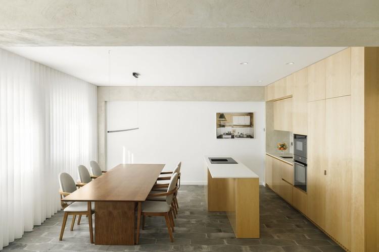 Family Lar Apartment / Paulo Moreira Architectures, © Ivo Tavares Studio