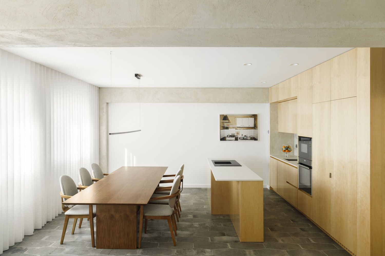 Family Lar Apartment / Paulo Moreira Architectures