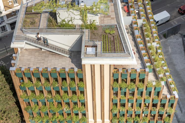 Edison Lite Apartment Building / Manuelle Gautrand Architecture. Image © Luc Boegly