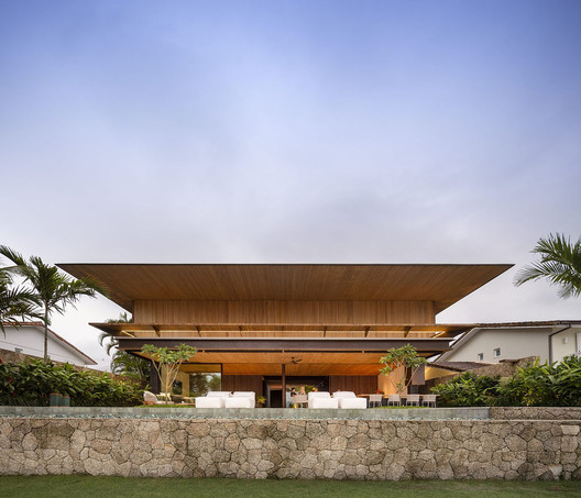 NB Residence / Jacobsen Arquitetura