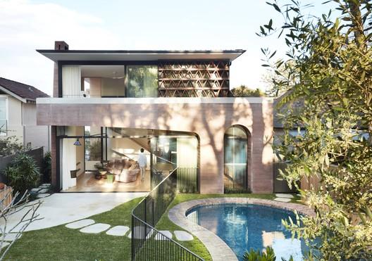 La Casa Rosa / Luigi Rosselli Architects