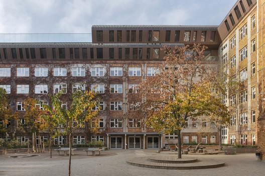 Berlin Metropolitan School / Sauerbruch Hutton