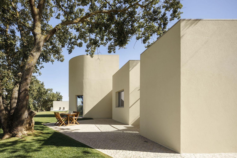 House in Santarém / dp Arquitectos