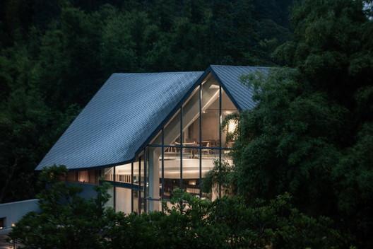 Nankun Secret Art Restaurant / Wildurban Architects