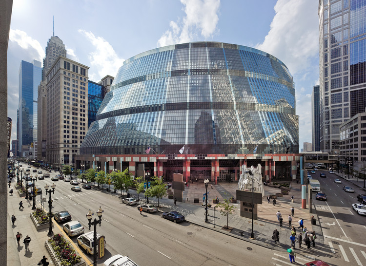 The Thompson Center: A Building Facing Demolition Threat in Chicago, The Thompson Center designed by Helmut Jahn in 1985 in Chicago, United States. Image © Rainer Viertlböck