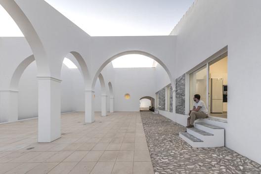 Bê House / SMG Arquitectos