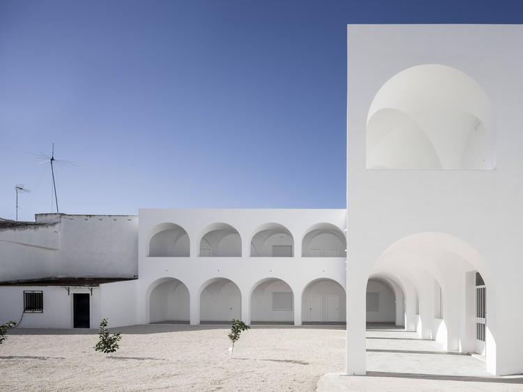Centro Parroquial de Porcuna / Pablo Millán, © Javier Callejas Sevilla