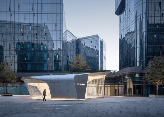Jin Chen Yi Fei Ming Art Gallery / Sunyat Architecture Design
