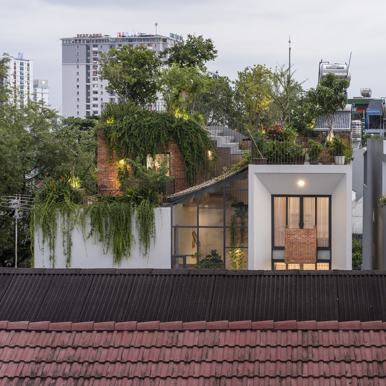 Park Roof House / MDA Architecture. Image © Quang Tran