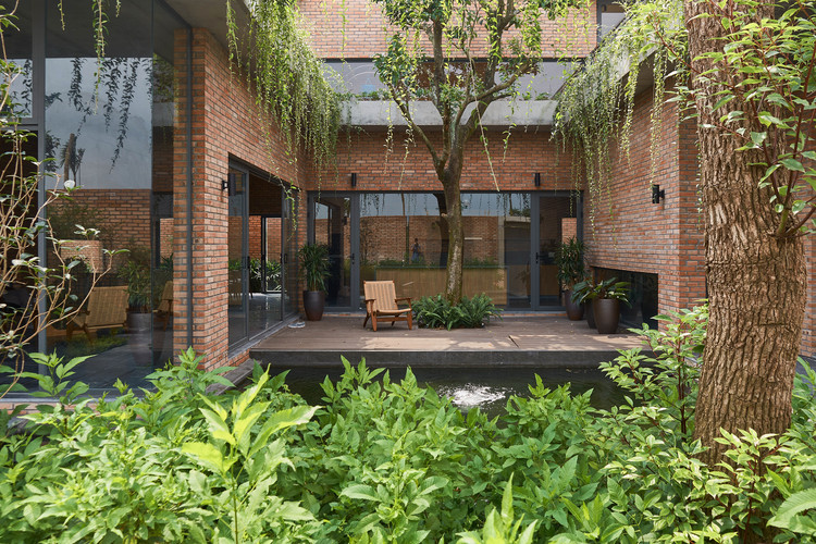 Greenery Curtain House / HGAA. Image © Duc Nguyen