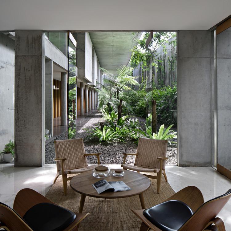 IH Residence / andramatin. Image © Mario Wibowo
