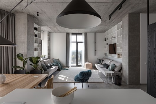 Deep Gray Apartment / Azovskiy + Pahomova