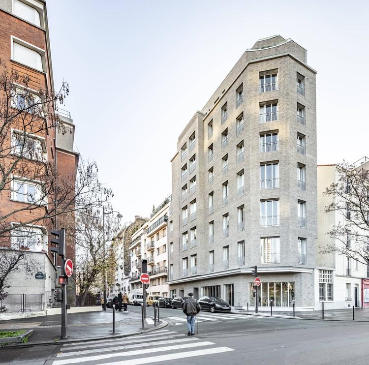 Apartment Building in Paris / CoBe Architecture & Paysage, © Luc Boegly