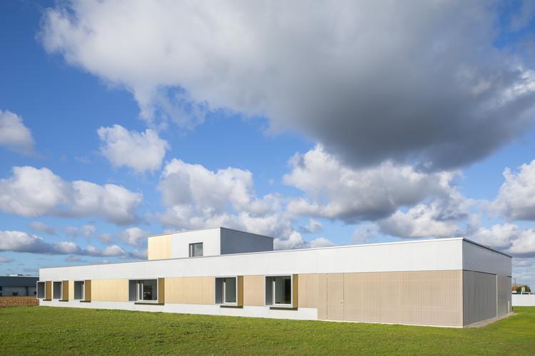Health Center Jugon Les Lacs / Violi Architecte, © Pascal Léopold
