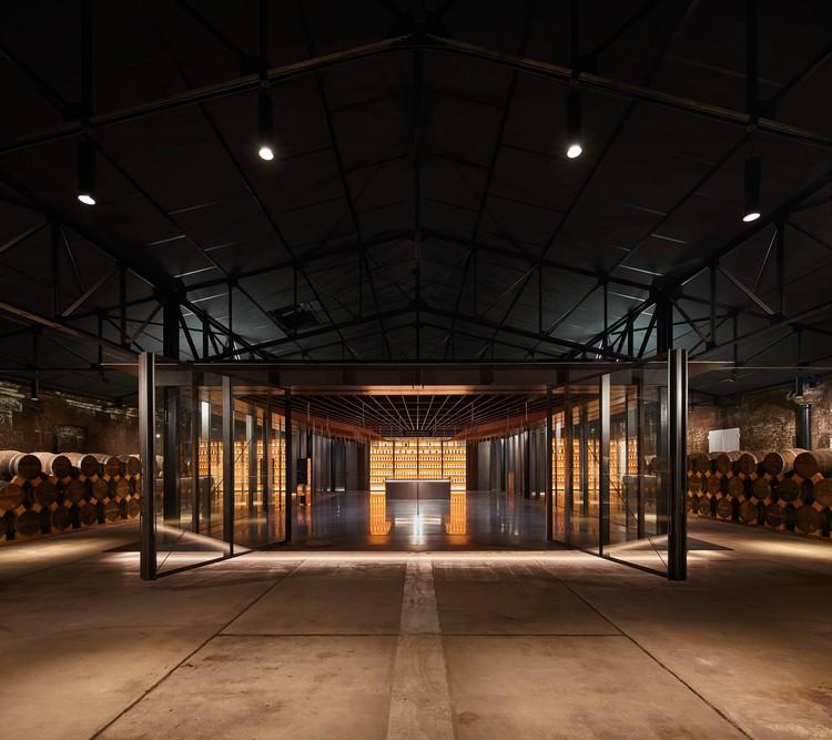 Tasting Room for Master Blenders / Elluin Duolé Gillon architecture, © Ivan Mathie