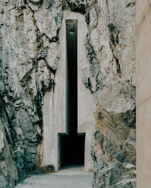 Medieval Brutalism: The Entrance of Switzerland's Castelgrande Captured by Simone Bossi, © Simone Bossi