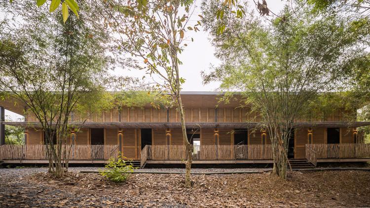 HippoFarm Bioclimatic Dormitories / T3 ARCHITECTS, © ALISA Production