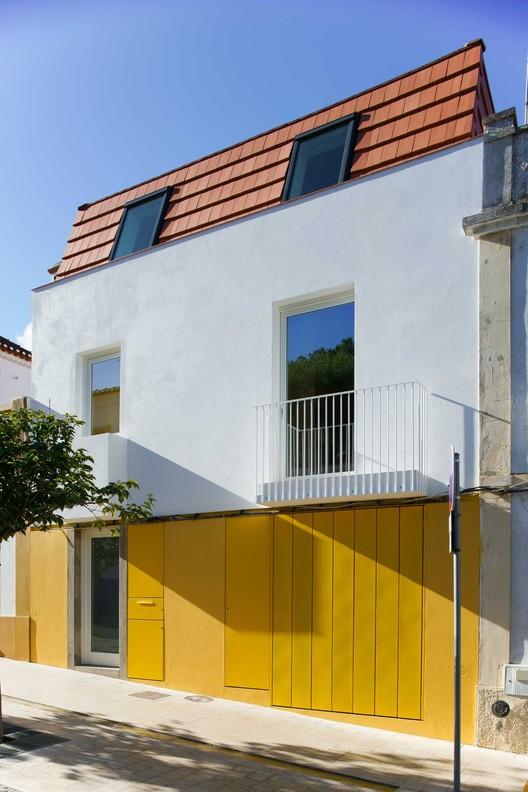 Casa e atelier / ARDE Arquitetura + Design, © João Carmo Simões