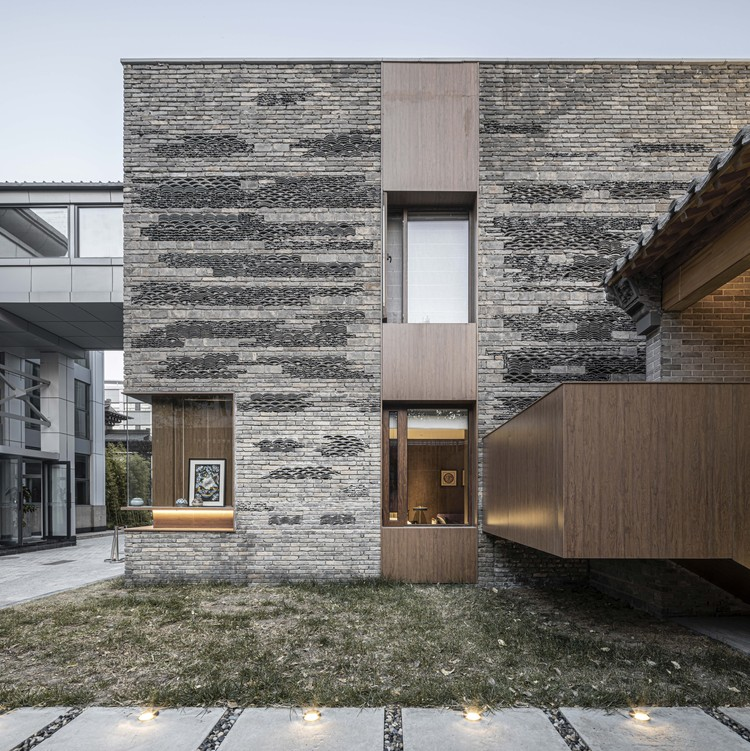 Hotel Seventeen / DAGA Architects, The staircase to the second floor. Image © Yu Liu