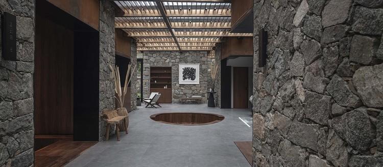 #3 courtyard interior space. Image © Jie Pan