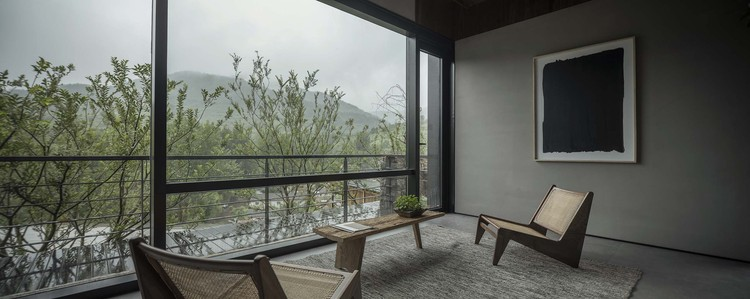 #7 courtyard interior space. Image © Jie Pan