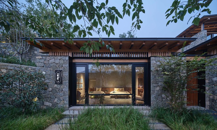 #10 courtyard. Image © ZY Architectural Photography