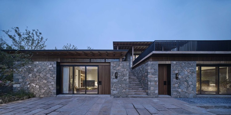 #11 courtyard. Image © ZY Architectural Photography