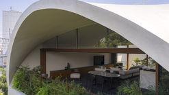 Sky Cave House & Clinic / IKAWAYA Architects