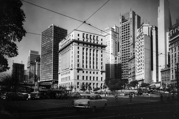 Vale do Anhangabaú, Centro de São Paulo, em 1960. Imagem: Arquivo Nacional