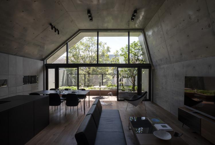 Casa caparazón de hormigón / IKAWAYA Architects, © Akinobu Kawabe