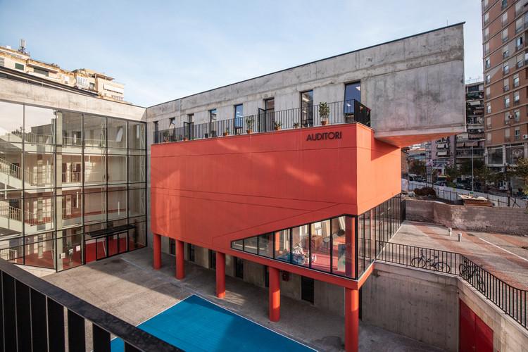 Servete Maçi Primary and Secondary School / Studioarch4. Imagem: © Besart Cani