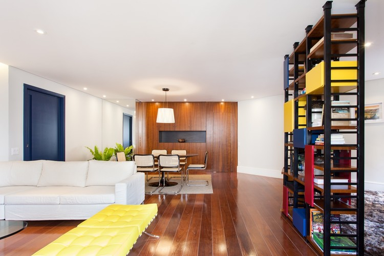 Apartamento Itaim / Manore Arquitetura. Imagem: © Ricardo Bassetti