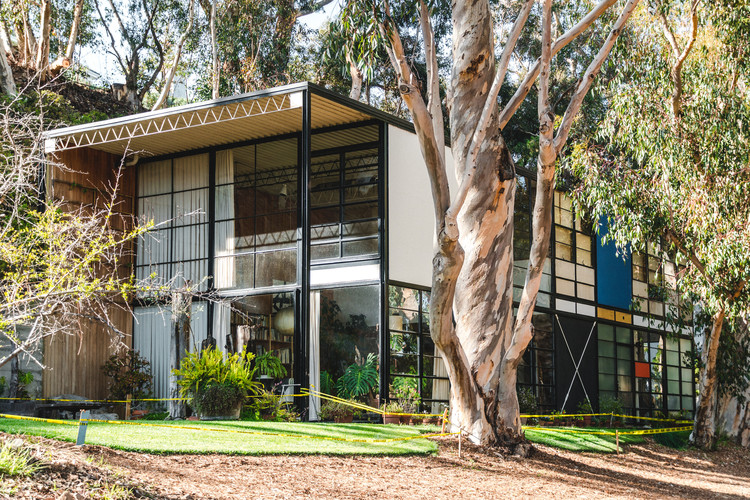 Casa Eames / Charles e Ray Eames. Imagem: © Stephanie Braconnier / Shutterstock