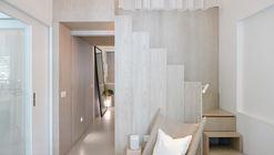 Apartment Renovation in Singapore / Studio Wills + Architects