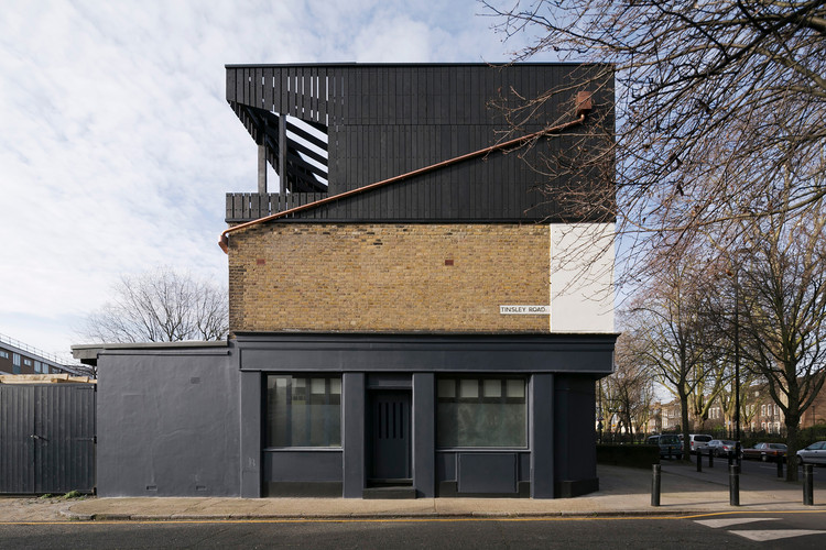 Artist's Studio in Stepney in London / Martin Edwards Architects, © Max Creasy, Simon Carruthers