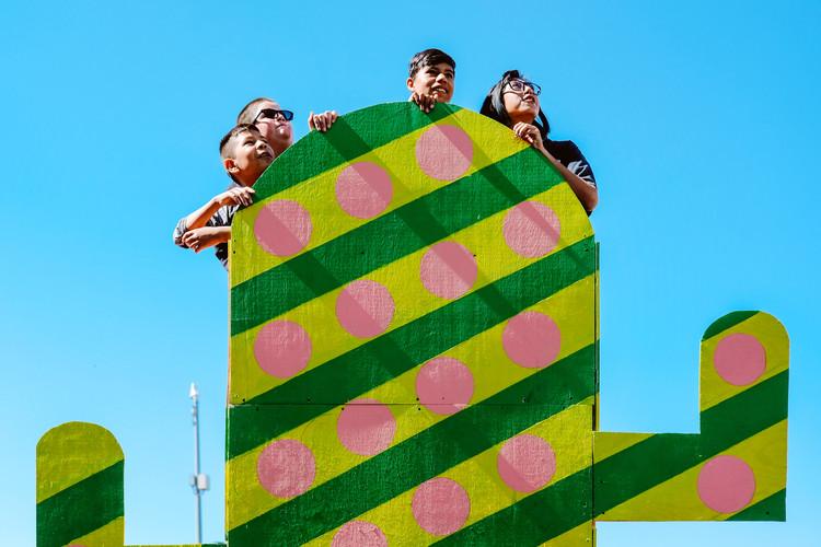 Mirador Cactus: cultura y juego en la frontera de México – Estados Unidos. Image Cortesía de Nómada Laboratorio Urbano