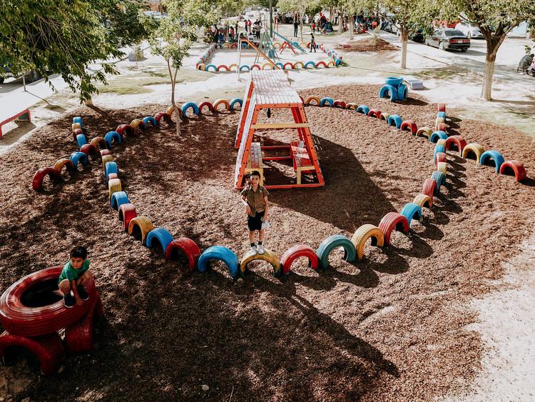 Nómada Laboratorio Urbano: el juego desde el reciclaje y la innovación social. Image Cortesía de Nómada Laboratorio Urbano