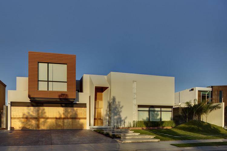 Casa Cubo / Arqmov Workshop. Image © Rafael Gamo