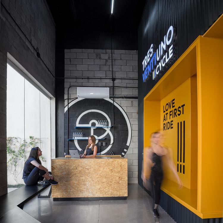 Tres21 Cycle / Santos Arquitectura. Image