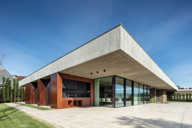 Cork Trees House / TRAMA arquitetos, © João Morgado