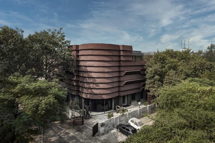 Corporate Headquarters for Rug Republic / Architecture Discipline, © Jeetin Sharma