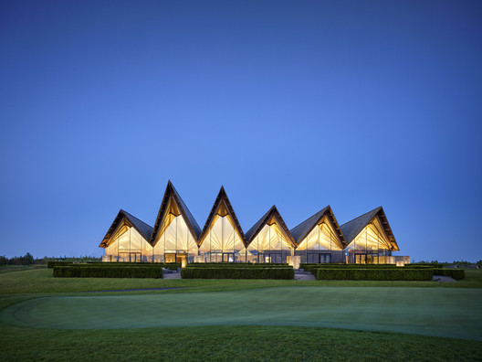 Great Northern Clubhouse & Hotel / E+N Arkitektur