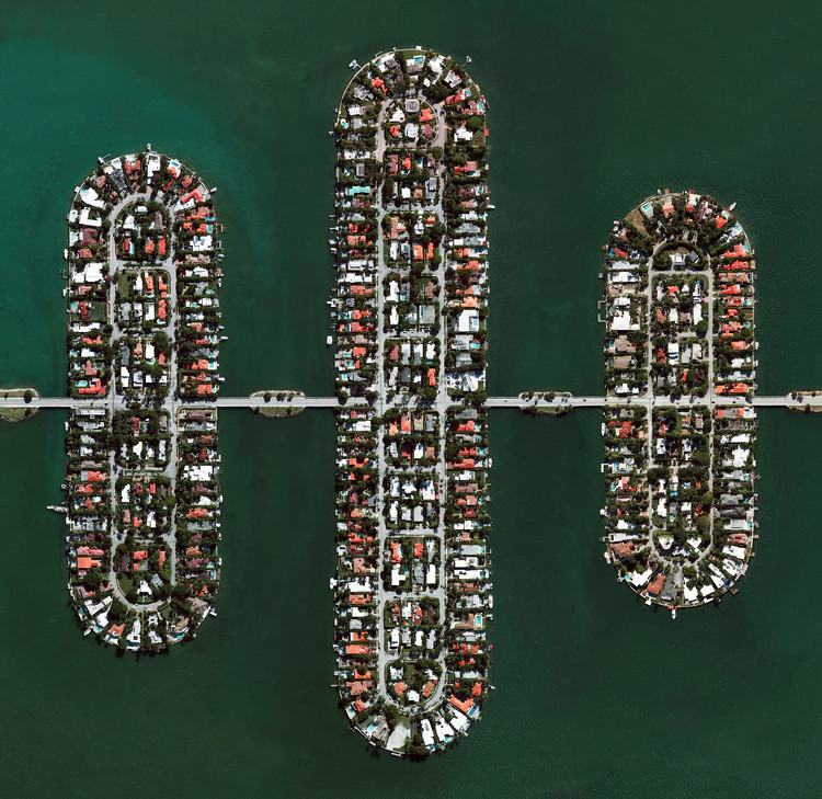 Venetian Islands, Miami Beach, Florida. Created by @dailyoverview, source imagery @maxartechnologies