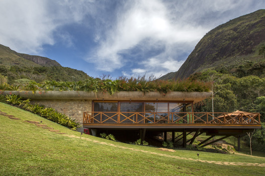 Residência GN / Miguel Pinto Guimarães Arquitetos Associados
