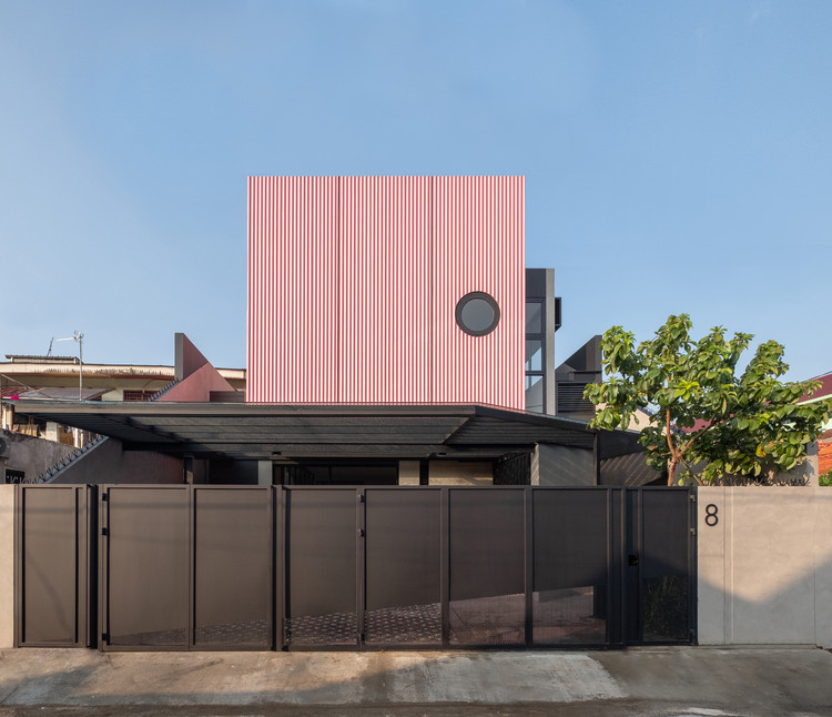 Cempaka Putih House / Studio Arsitektropis, © Celvin Leowardi