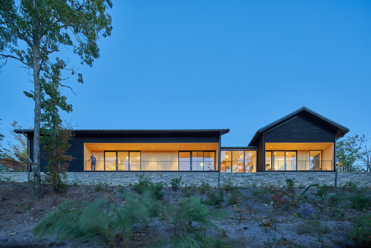 Short Mountain House / Sanders Pace Architecture, © Keith Isaacs